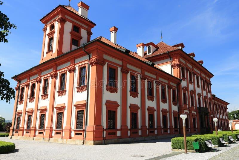 O palácio de Troja é um palácio barroco situado em Troja, a cidade noroeste de Praga (República Checa) imagem de stock royalty free