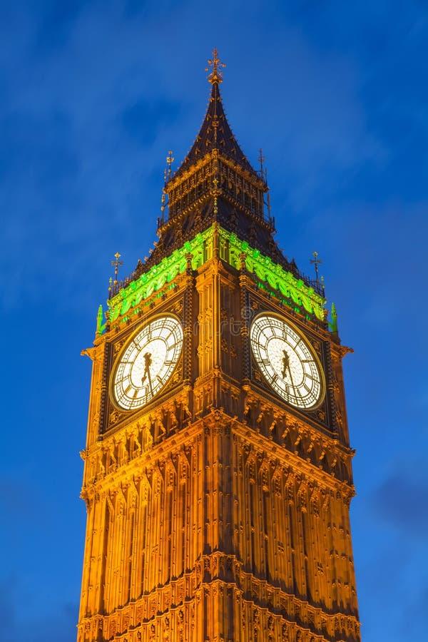 O palácio de Westminster Big Ben na noite, Londres foto de stock royalty free