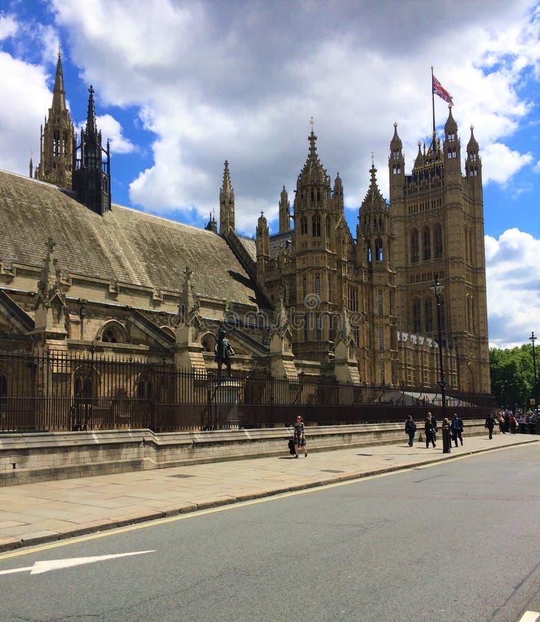 O palácio de Westminster - o parlamento do Reino Unido foto de stock