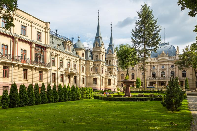 O palácio do ` s de Izrael Poznanski é um palácio do século XIX em Lodz, Polônia foto de stock royalty free