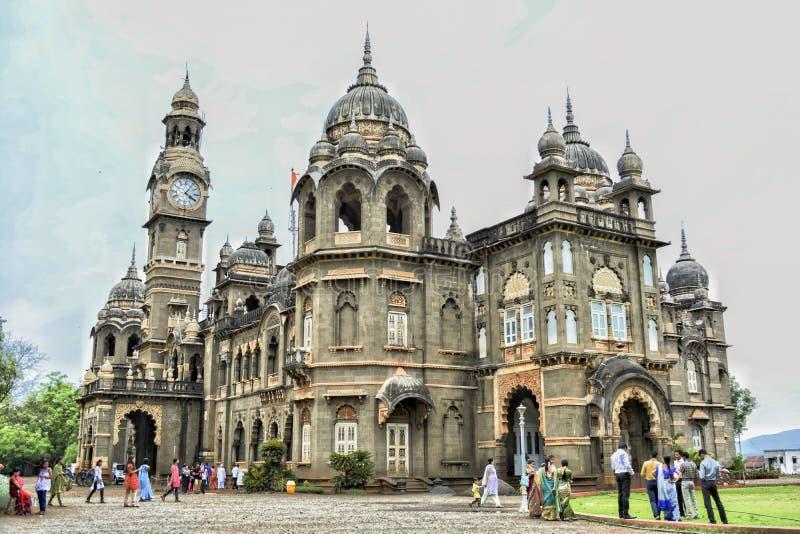 O palácio novo! fotografia de stock royalty free