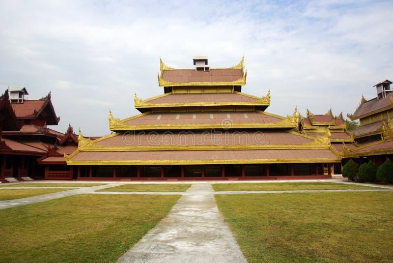 Download O Palácio Real Em Mandalay, Myanmar Foto de Stock - Imagem de ouro, cultura: 29825984