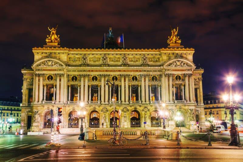 O Palais Garnier (teatro da ópera nacional) em Paris, França fotos de stock royalty free