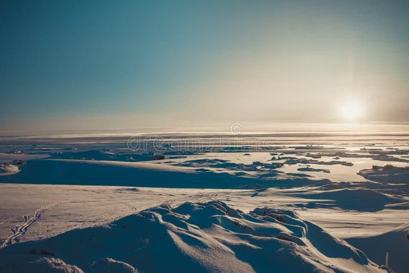 O panorama brilhante do nascer do sol da Antártica fotos de stock royalty free