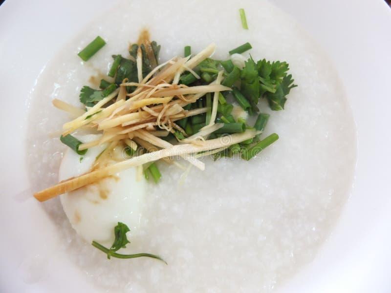 O papa de aveia do arroz é muito delicioso imagens de stock royalty free