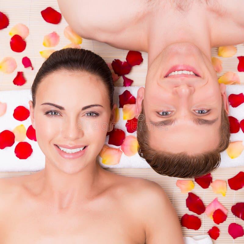 O par novo bonito relaxa imagem de stock royalty free