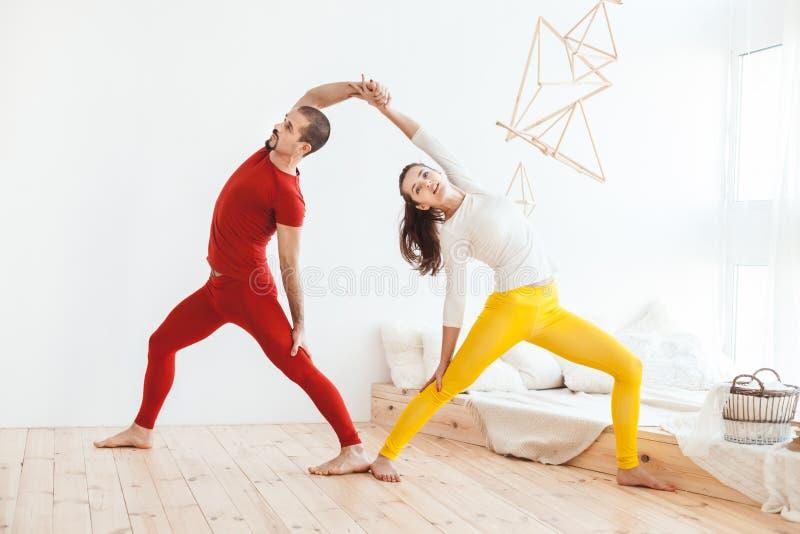 O par novo conduz um estilo de vida saudável fotografia de stock