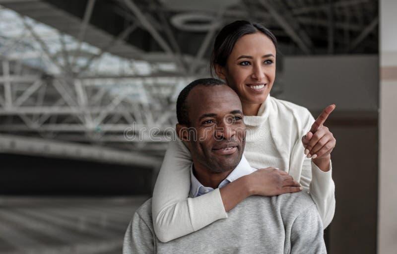 O par romântico otimista está passando o tempo junto imagens de stock royalty free