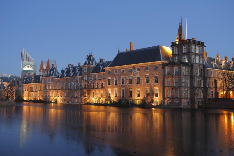 O parlamento (Binnenhof), Haia, Países Baixos imagens de stock