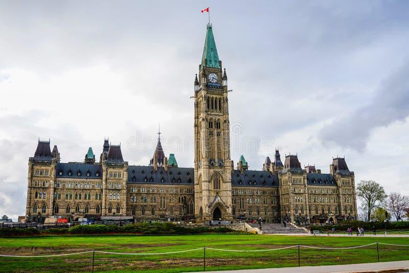 O parlamento da construção de Canadá em Ottawa imagem de stock