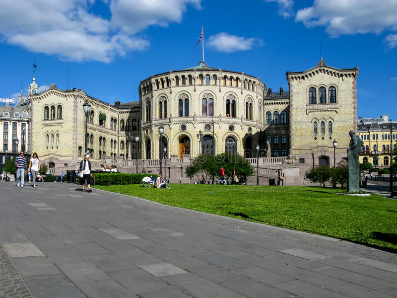 O parlamento de Noruega em Oslo fotos de stock royalty free