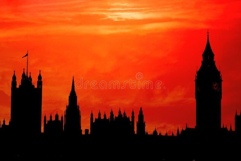 O parlamento mostra em silhueta imagem de stock