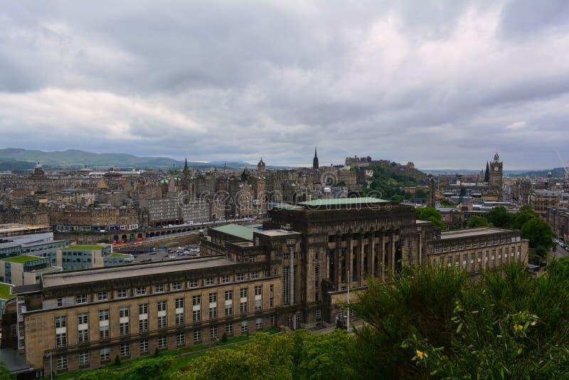 O parlamento novo abriga em Edimburgo, Escócia foto de stock royalty free