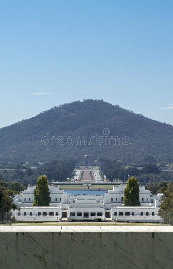 O parlamento velho abriga e Anzac War Memorial, Canberra, ATO, Aust foto de stock royalty free