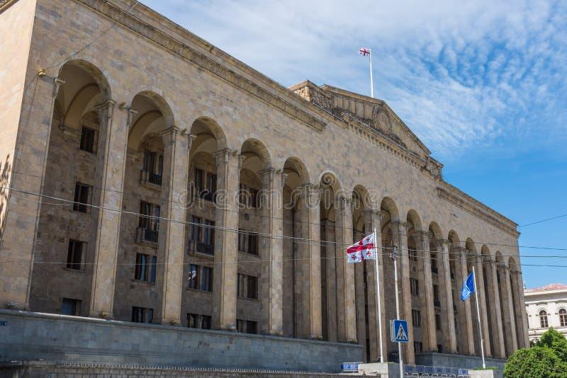 O parlamento velho que constrói Tbilisi Geórgia foto de stock