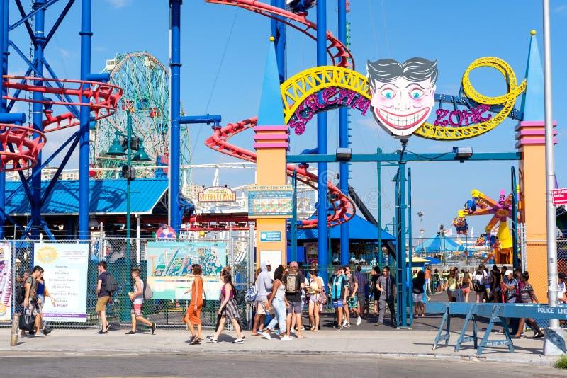 O parque de diversões de Luna Park em Coney Island em New York City foto de stock
