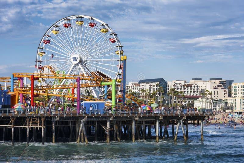 O parque de diversões em Santa Monica Pier, Los Angeles Califórnia imagem de stock