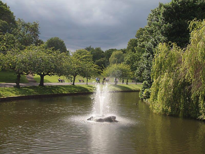 O parque de Sefton é um parque público no sul Liverpool, Inglaterra imagens de stock royalty free