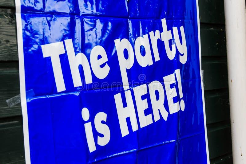 O partido está AQUI! fotografia de stock royalty free