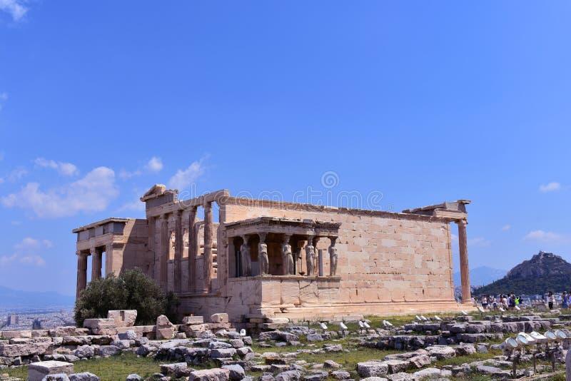 O patamar das cariátides no Erechtheion um templo do grego clássico no lado norte da acrópole de Atenas, Grécia fotos de stock royalty free