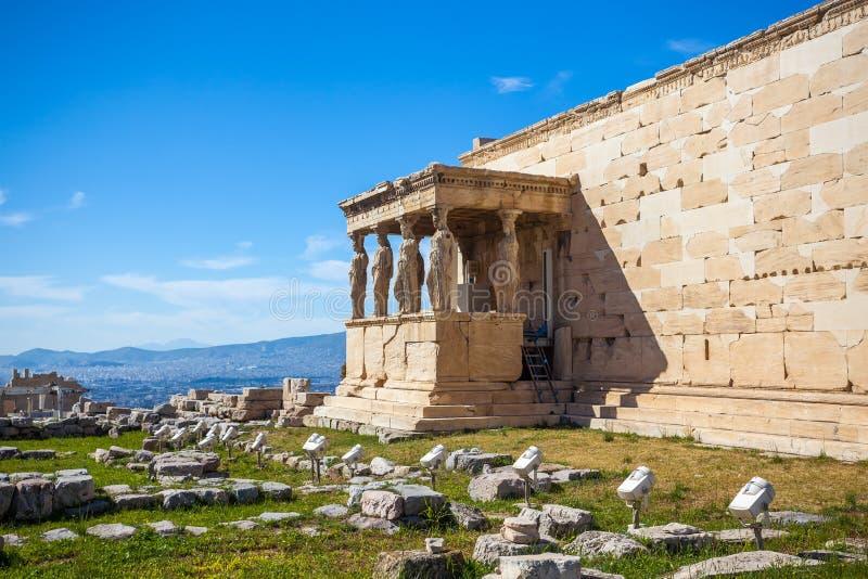 O patamar das cariátides no templo de Erechtheion no Acro fotografia de stock royalty free