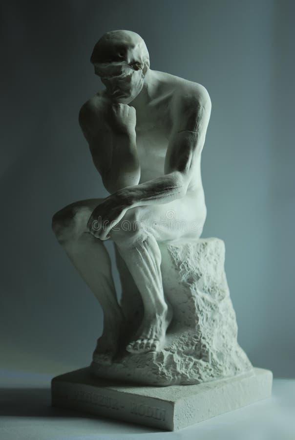 O pensador por Auguste Rodin imagem de stock royalty free