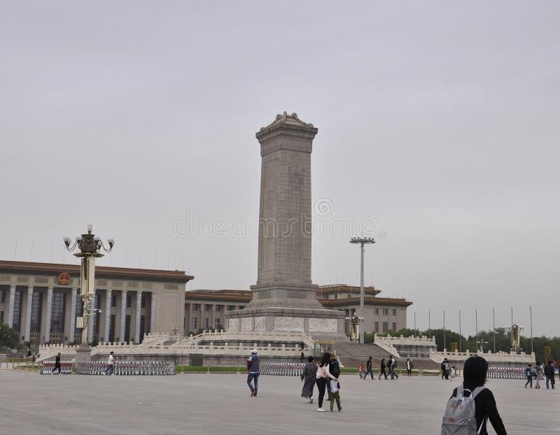 O Pequim, 5o pode: Monumento dos heróis do pessoa na Praça de Tiananmen no Pequim fotografia de stock