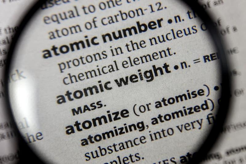 O peso atômico da palavra ou da frase em um dicionário imagem de stock