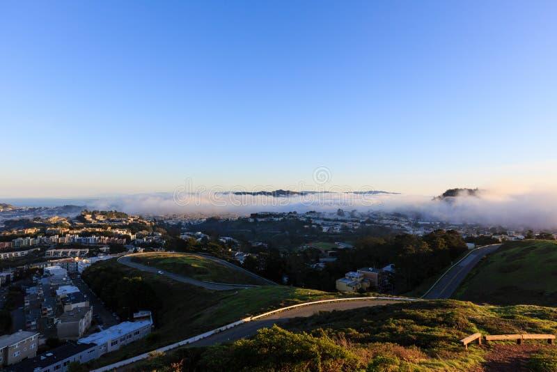 O pico gêmeo famoso em San Francisco fotos de stock royalty free