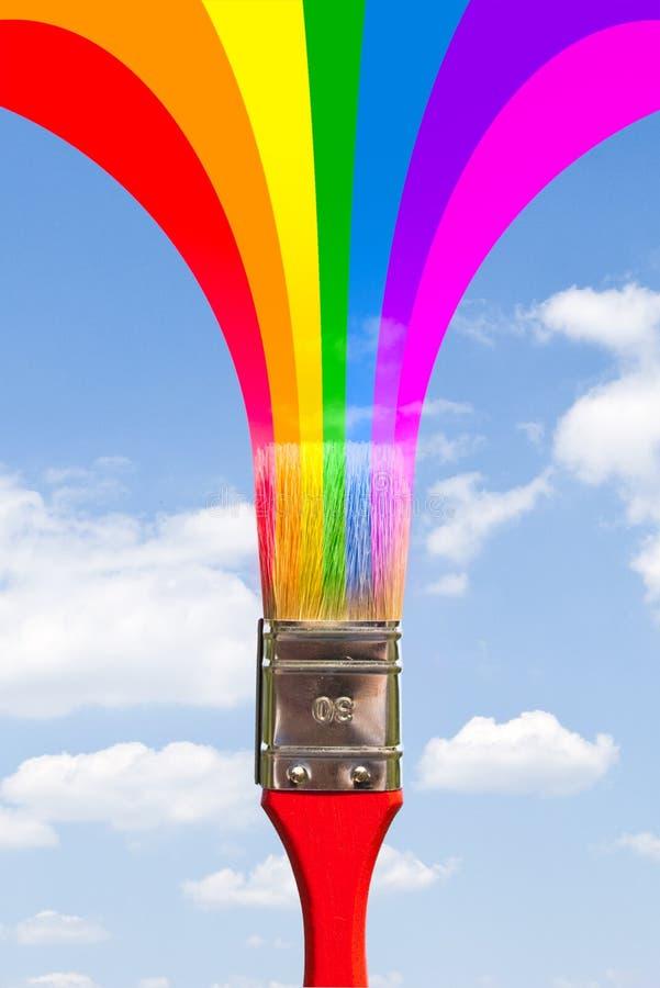 O pincel pinta o arco-íris foto de stock royalty free