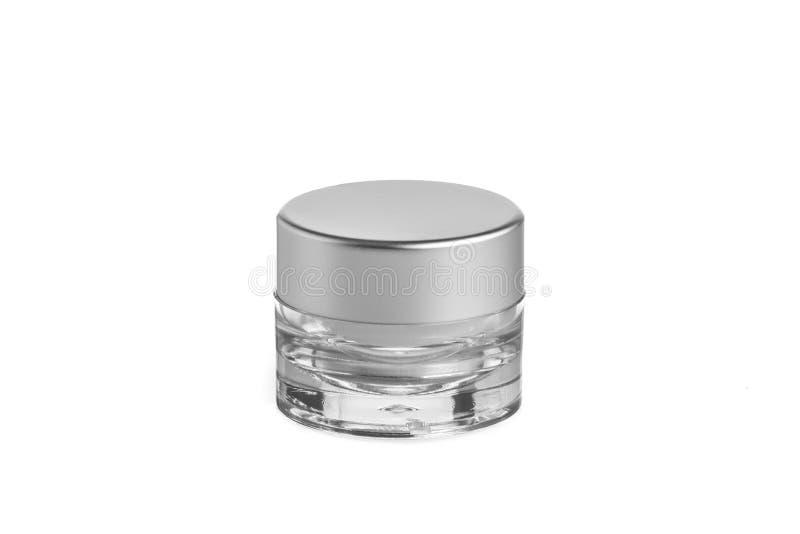 O plástico vazio, vidro range o cosmético, loção que empacota em um fundo branco foto de stock