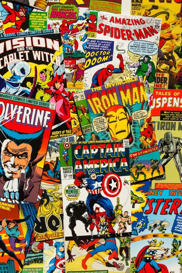 O plano cômico da opinião superior das capas de revista do vintage colorido coloca a composição imagens de stock royalty free