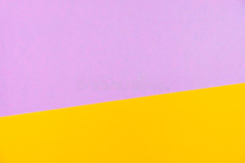 O plano do papel colorido da cor pastel coloca a vista superior, textura do fundo, rosa imagens de stock royalty free