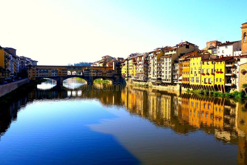 O Ponte Vecchio, em Florença, Itália fotos de stock