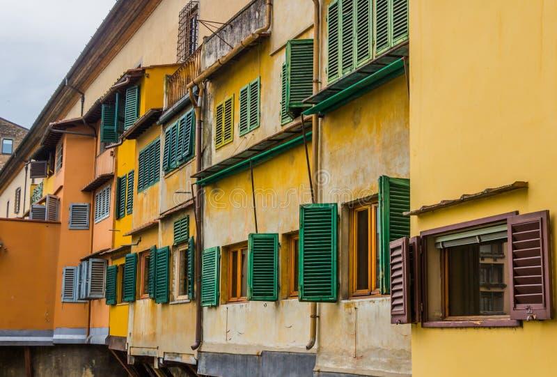O Ponte Vecchio (ponte velha) em Florença, Itália fotos de stock