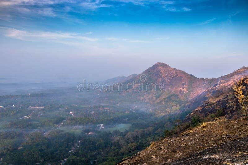 O ponto de vista do hillsKottappara de Kottapara é a adição a mais nova ao turismo no distrito de Idukki de Kerala foto de stock royalty free