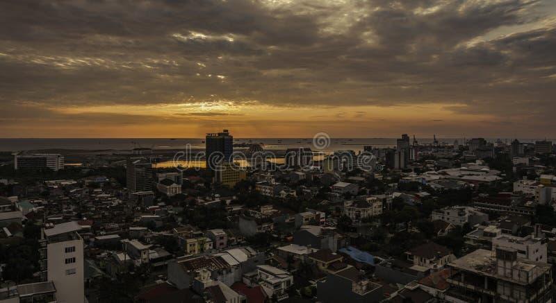 O por do sol de Makassar fotografia de stock royalty free