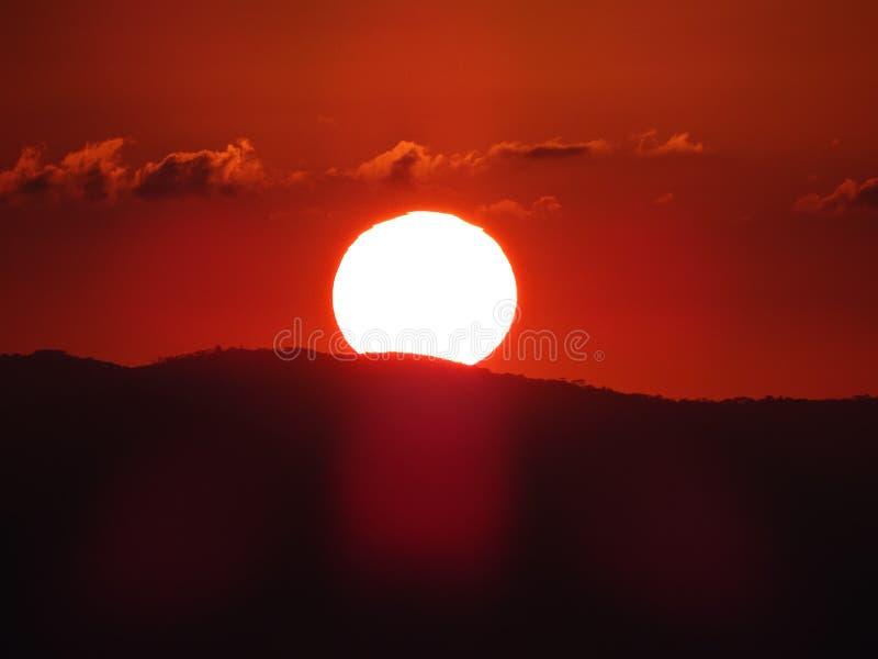 O por do sol em Campos faz Jordão foto de stock