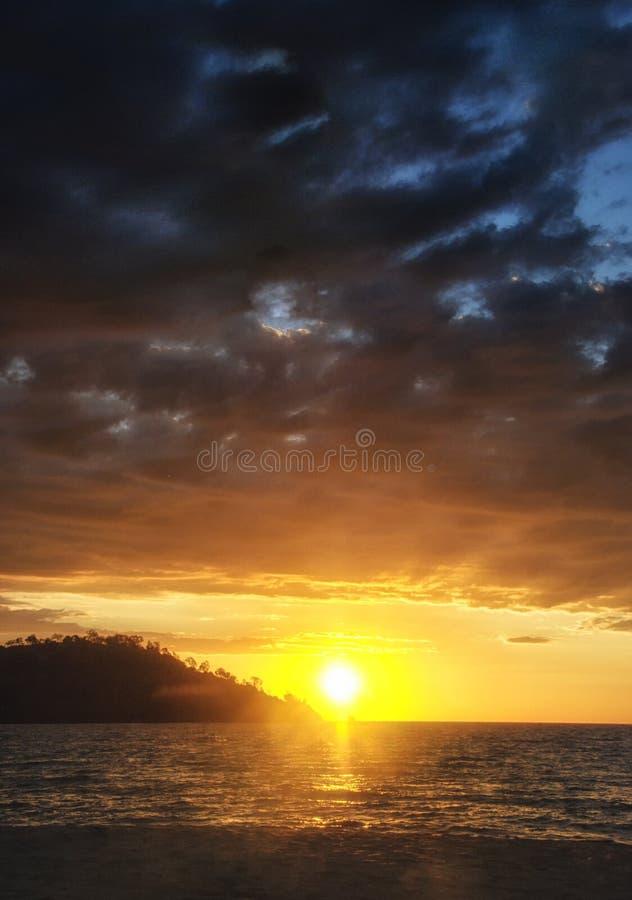 O por do sol sobre o mar, intrometido seja, Madagáscar imagem de stock