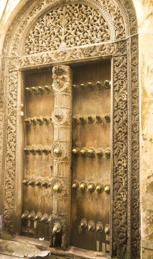 O portal de madeira fotos de stock