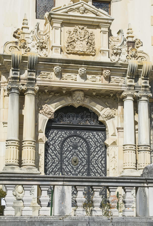 O portal de um castelo imagem de stock royalty free