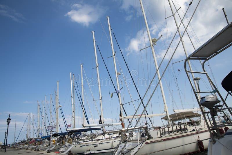 O porto da cidade de Lefkada imagens de stock