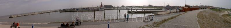 O porto de Neuharlingersiel, Alemanha 29 03 2010 foto de stock royalty free
