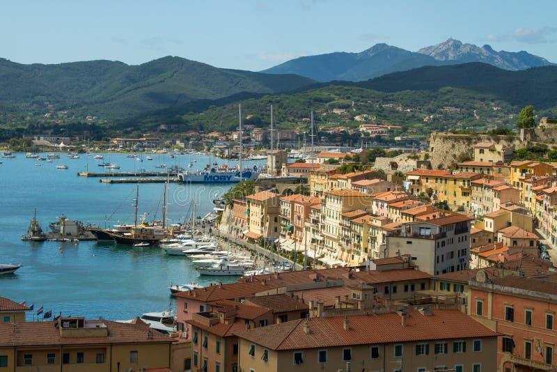 O porto de Portoferraio, a Ilha de Elba foto de stock