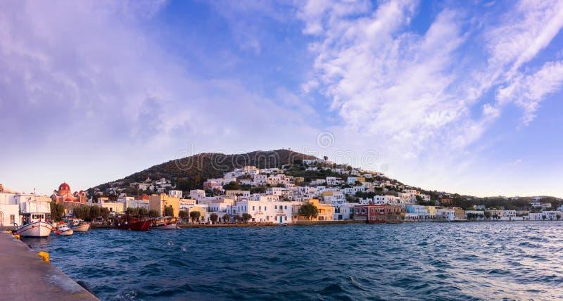 O porto do porto de Agia, ilha de Leros, Grécia, na noite imagens de stock royalty free
