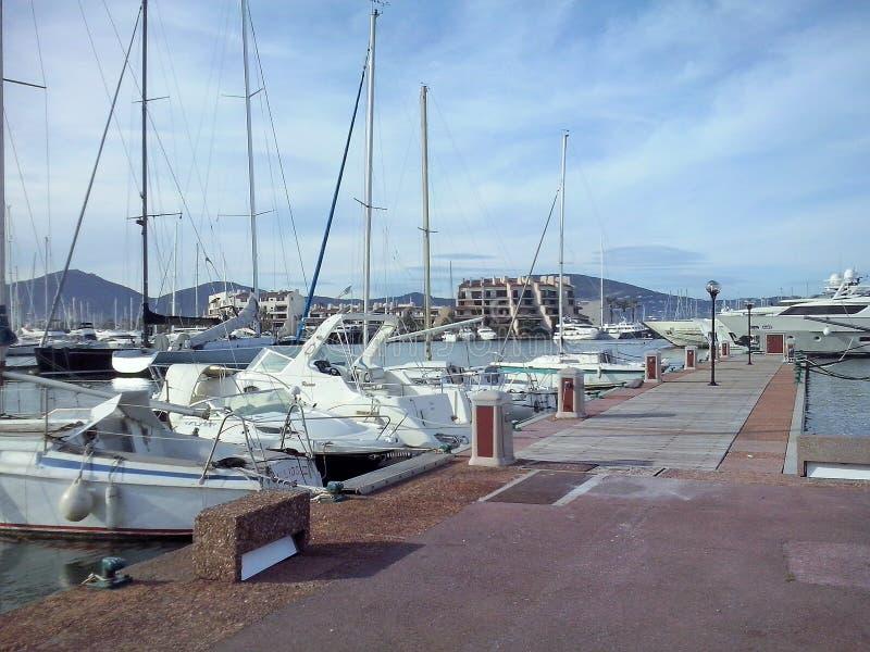 O porto em de marinho Saint Tropez foto de stock