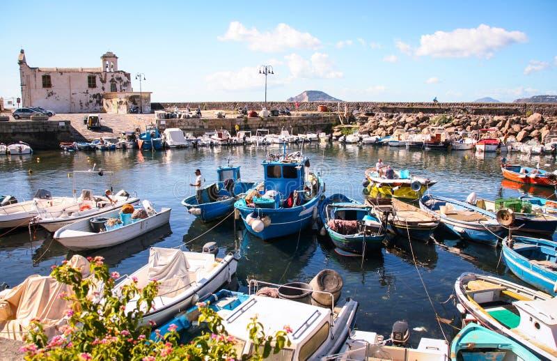 O porto velho de Pozzuoli fotografia de stock