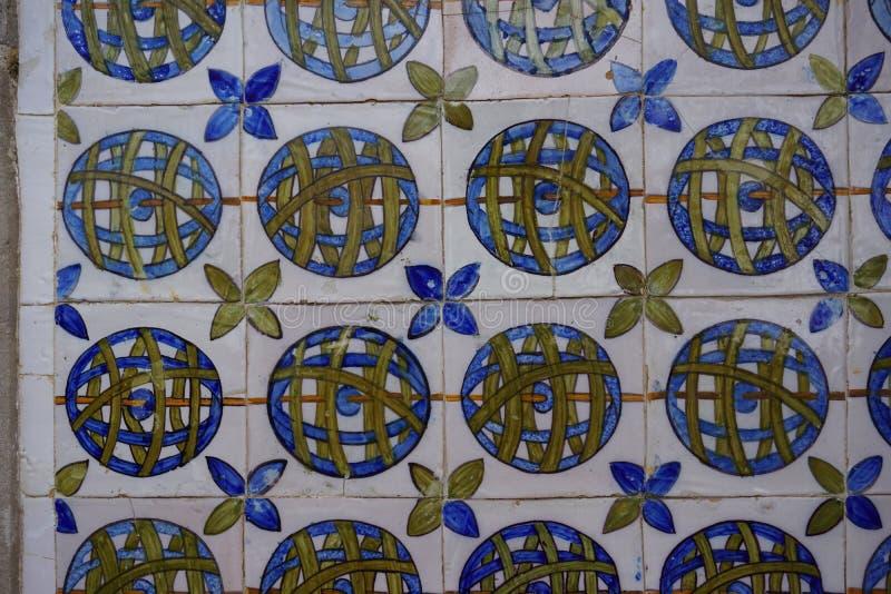 O português pintou azulejos lata-vitrificados Azulejos do palácio nacional de Sintra fotografia de stock