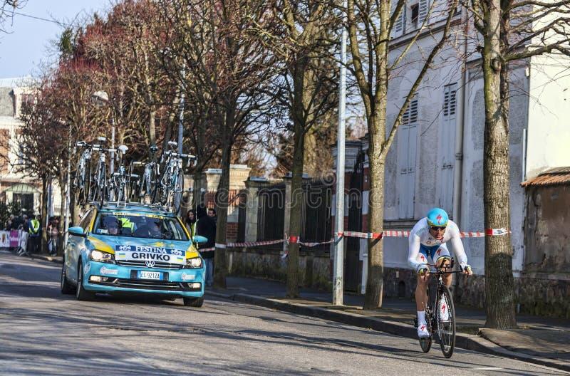 O Prólogo 2013 Agradável De Grivko Andriy- Paris Do Ciclista Em Houilles Fotografia Editorial