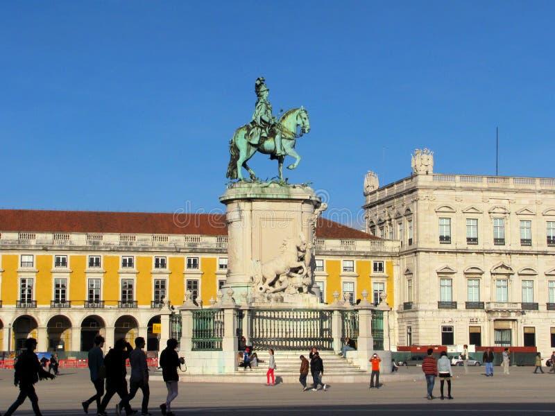 O Praca faz o quadrado do comércio de Comercio com a estátua do rei Jose mim imagem de stock royalty free